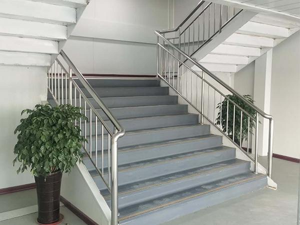 箱式活动房楼梯